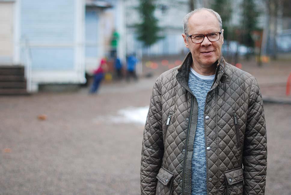 Jerker Sandström efterlyser en större medvetenhet om språköarna bland den finlandssvenska allmänheten.